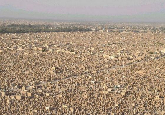Самое большое кладбище - вид сверху