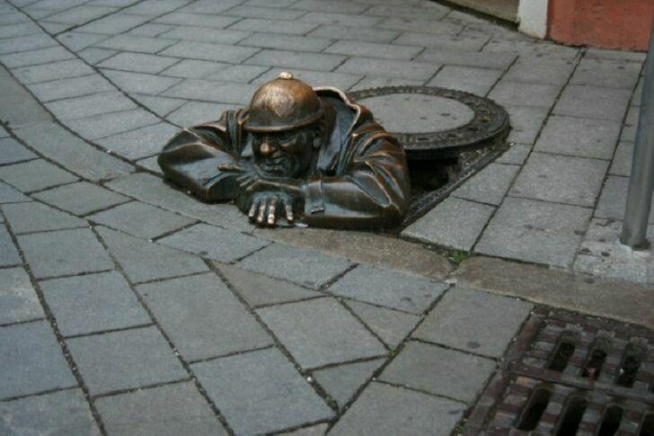 neobychnye-skulptury-14