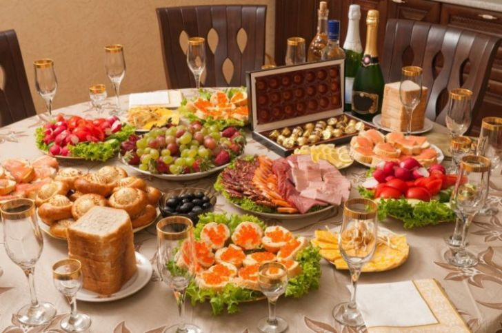 Новогодний салат «Петух» — обязательный элемент праздничного стола в 2017 году!