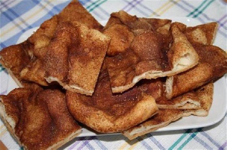 Блюдо испанских евреев, обалденно вкусное! Хрустящая сахарная лепешка.