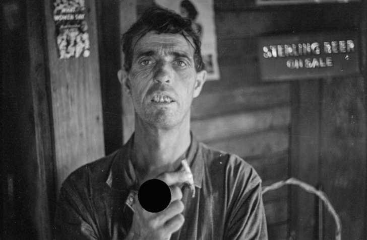 Вот что значат эти черные точки на старинных фотографиях. Тайна, от которой становится не по себе...