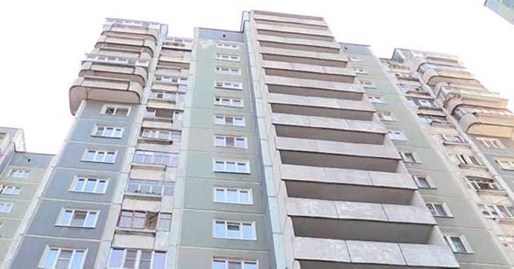 Мужчина сломал все пальцы на руке, поймав девочку, упавшую с 8 этажа…