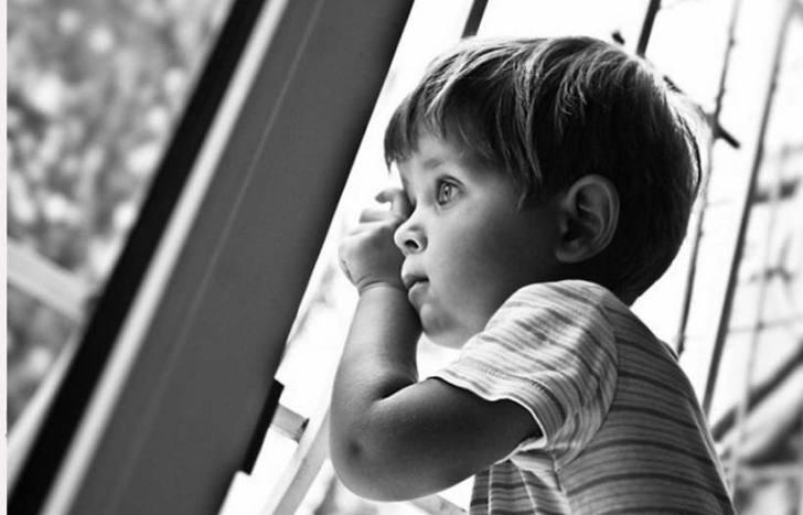 Девушке предложили выбрать ребенка на усыновление. Ее ответ поразил заведующую детдома