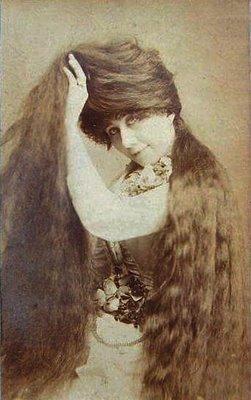 Печальная судьба сестер Сазерленд, которые заработали миллион на своих волосах