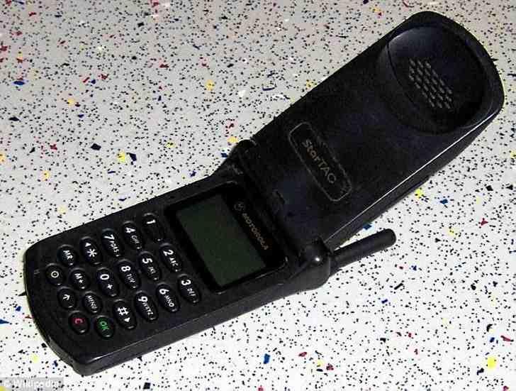 Samsung бросил вызов iPhone 8: корейцы создали гибкий складной смартфон