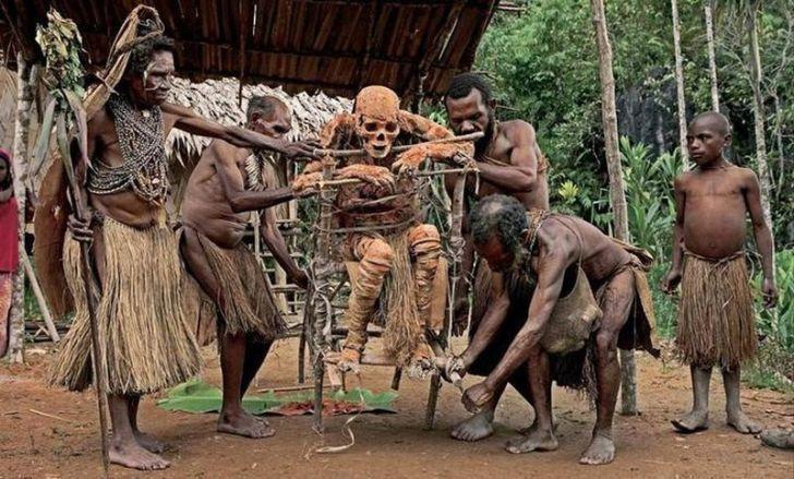 8 жутких древних обычаев, которые все еще совершаются в наши дни