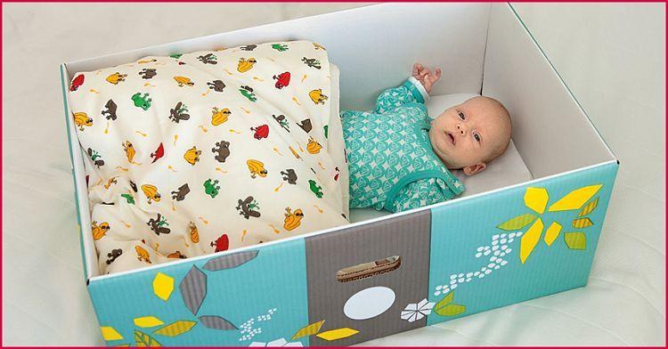 Почему малыши в Финляндии спят в коробке?