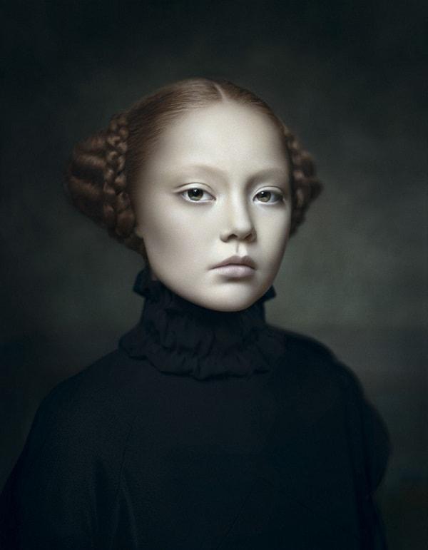 Фотопортреты Дезире Долрон в стиле голландской живописи