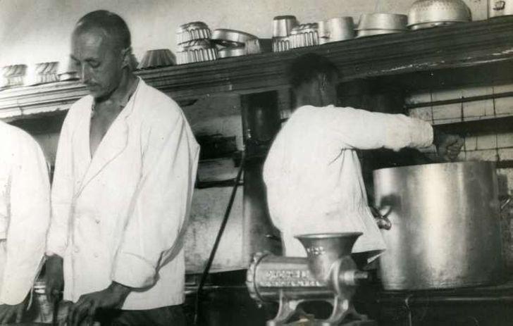 Ретро фотографии из жизни русских эмигрантов во Франции и Германии в начале 1930-х годов