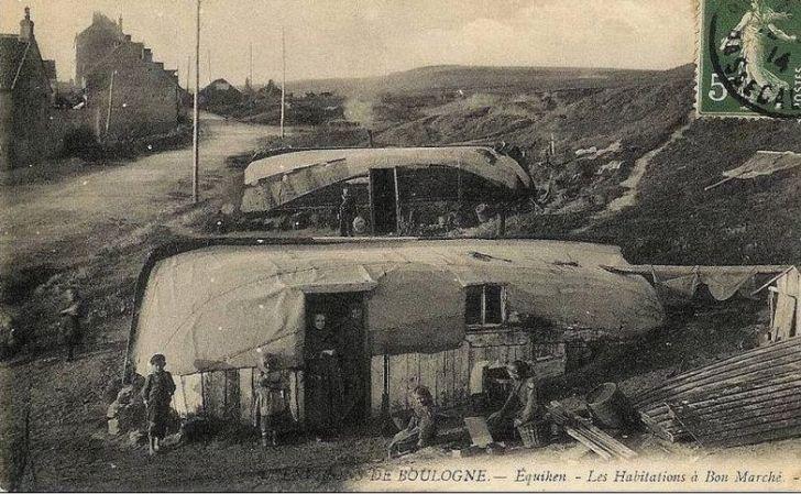 Посёлок из перевернутых лодок
