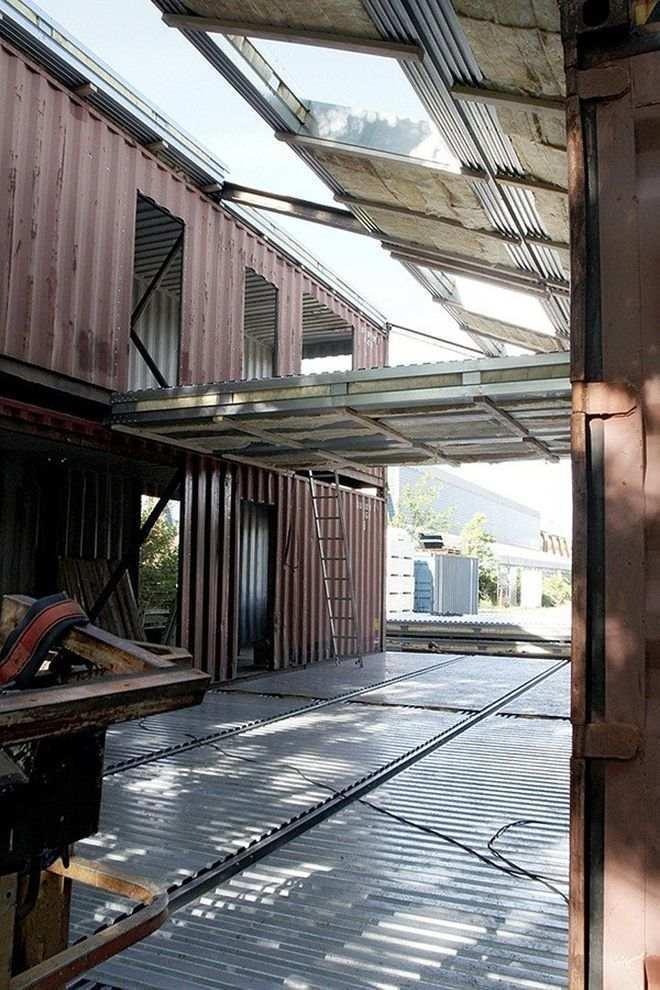 Дом, построенный из контейнеров - это возможно