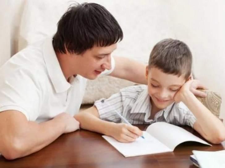 Как папа помог сыну сделать уроки