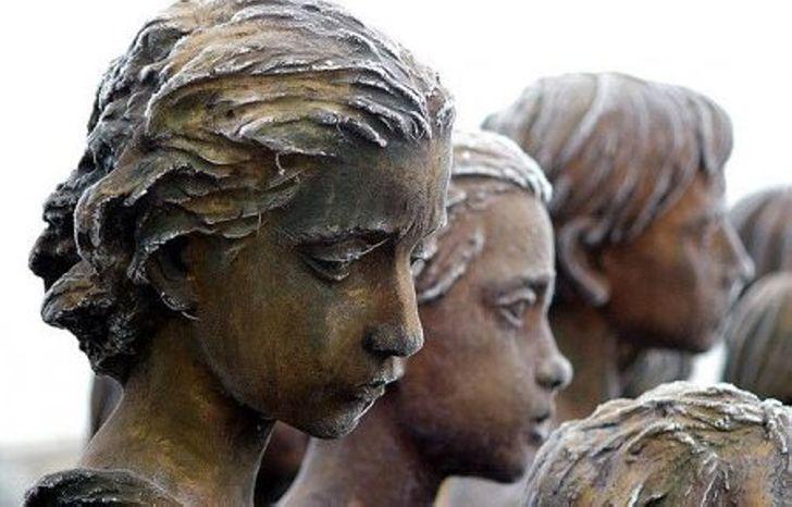 Памятник 82 уничтоженным детям