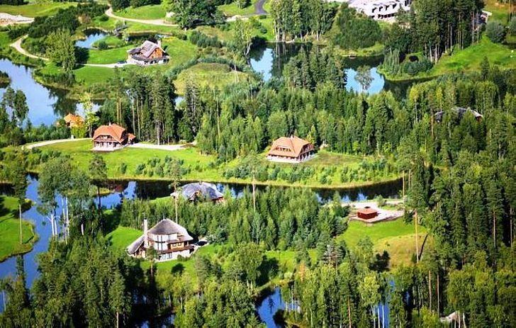 Латвийский миллионер построил для людей город своей мечты