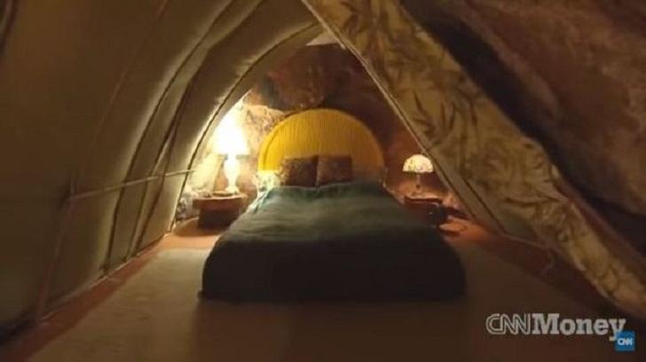 И в наше время люди живут в пещерах