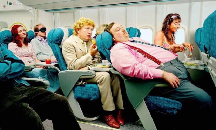 Случай в самолете Тель-Авив — Верона. Или вот КАК нужно ВОСПИТЫВАТЬ детей и религиозных фанатиков!
