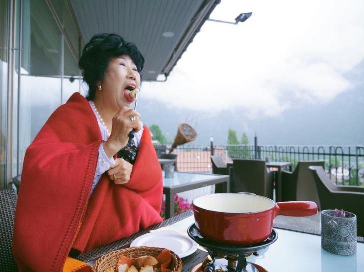 Самая крутая бабушка Кореи (71 год) ведет свой YouTube-канал