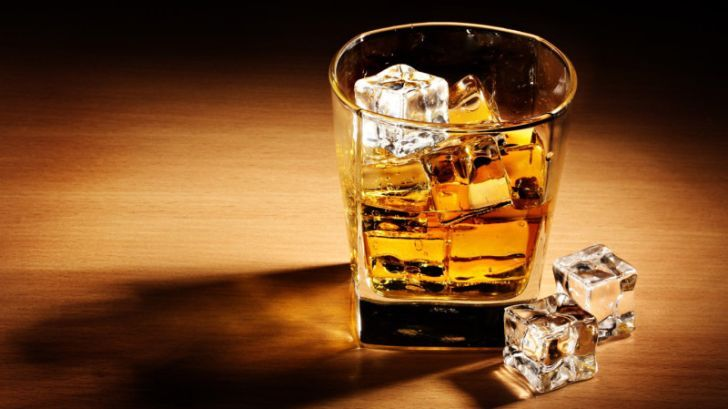 Алкогольный бренд ищет сотрудника, который будет выпивать по всему миру