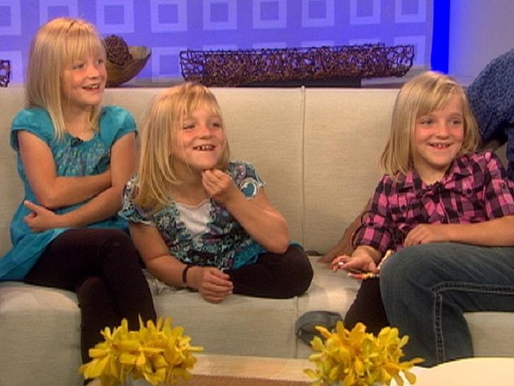 От этих тройняшек отказались родители. Что случилось с ними 14 лет спустя