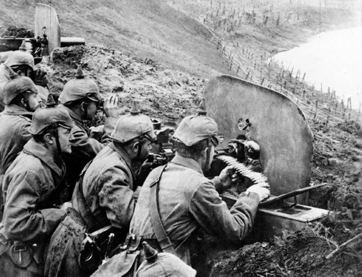 Зачем немецкие солдаты носили рогатые шлемы