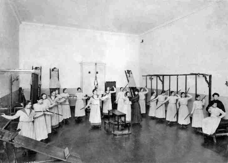 Смольный институт: как воспитывали благородных девиц