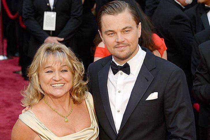 15 знаменитых мужчин и их мамы
