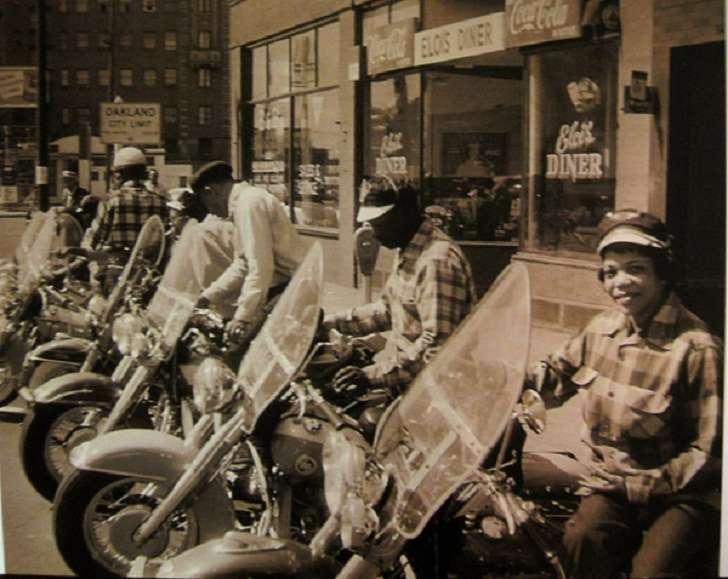 Королева мотоцикла - она была первой
