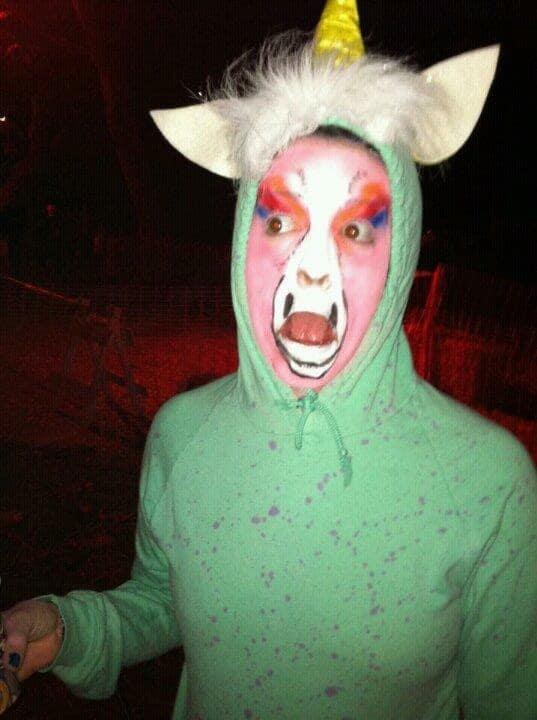 16 очень странных карнавальных костюмов