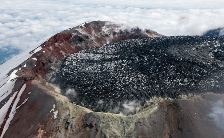 На склонах камчатских вулканов обнаружен новый минерал