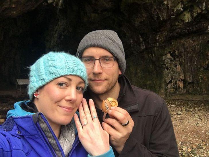 Девушка целый год носила обручальное кольцо и даже не догадывалась об этом!