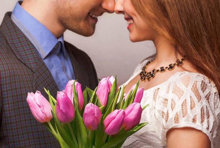 Как поздравить женщину с 8 марта